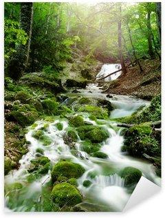 Sticker Pixerstick Cascade d'eau dans une forêt