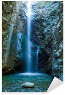 Sticker Pixerstick Chutes d'eau dans les montagnes Chantara Trodos, Chypre