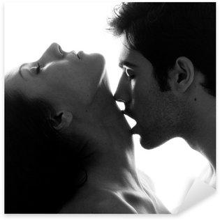 Sticker Pixerstick Couple passionné dans l'amour