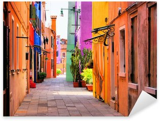 Pixerstick Sticker Kleurrijke straat in Burano, vlakbij Venetië, Italië