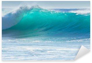 Sticker Pixerstick Le déferlement des vagues sur le rivage de Madère