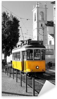 Sticker Pixerstick Lisbonne vieux tram jaune sur fond noir et blanc