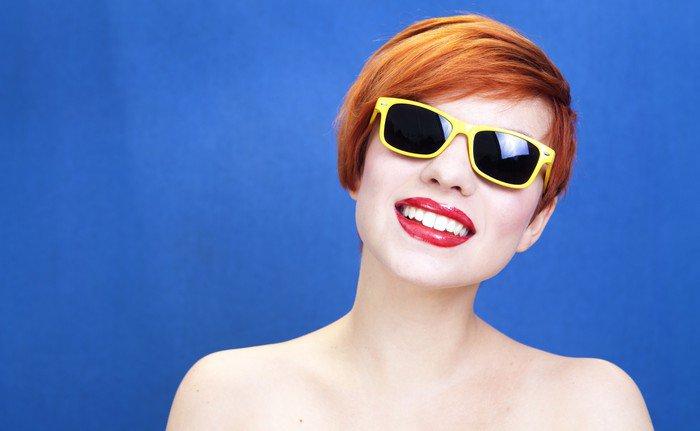 Sticker - Pixerstick Lovely girl wearing sunglasses - Themes