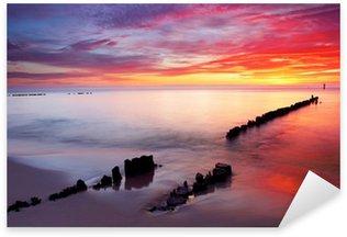 Sticker Pixerstick Mer Baltique au beau lever de soleil en Pologne plage.