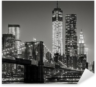 Pixerstick for All Surfaces New York by night. Brooklyn Bridge, Lower Manhattan – Black an