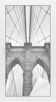 Sticker pour Vitres et Fenêtres Brooklyn Bridge New York City close up détail architectural en noir et blanc intemporel