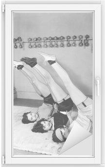 Sticker pour Vitres et Fenêtres Trois femmes exerçant