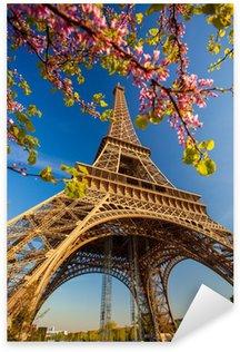 Sticker Pixerstick Tour Eiffel pendant le temps du printemps à Paris, France