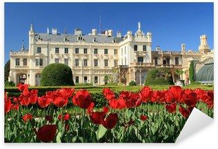 Pixerstick Sticker Tulpen in de voorkant van het kasteel Lednice