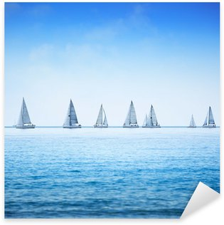 Sticker Pixerstick Voilier yacht régate course sur l'eau de mer ou de l'océan