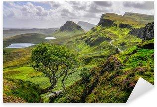 Sticker Pixerstick Vue panoramique sur les montagnes Quiraing à Isle of Skye, haute écossais