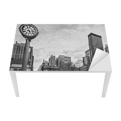5th Avenue, New York City. Table & Desk Veneer