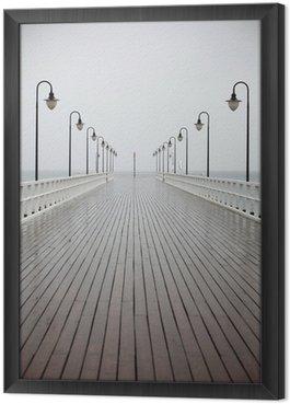 Tableau en Cadre Vieux quai sous la pluie sur la mer Baltique Orlowo de Gdynia en Pologne