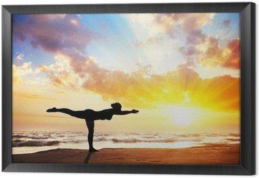Tableau en Cadre Yoga silhouette sur la plage