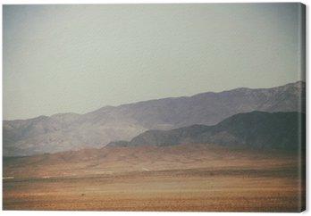 Tableau sur Toile Bergspitzen und Bergketten in der Wüste / Spitze Gipfel und Bergketten rauer dunkler sowie hellerer Berge in der Mojave Wüste in der Nähe der Death Valley Kreuzung.