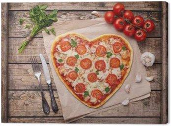 Tableau sur Toile Coeur à pizza en forme de concept de l'amour margherita pour la Saint Valentin à la mozzarella, les tomates, le persil et l'ail sur cru fond de tableau en bois.