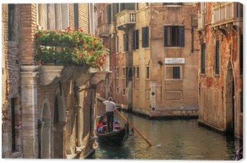 Tableau sur Toile Venise, Italie. Gondole sur un canal romantique.