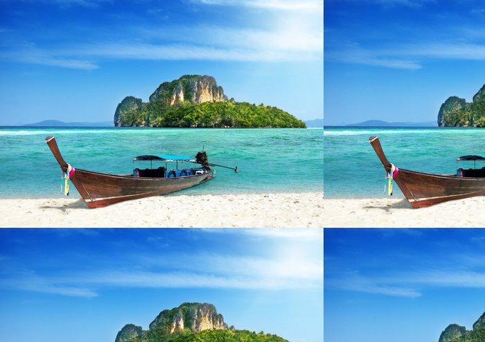 Vinyltapet Lång båt och ö i Thailand - Vatten