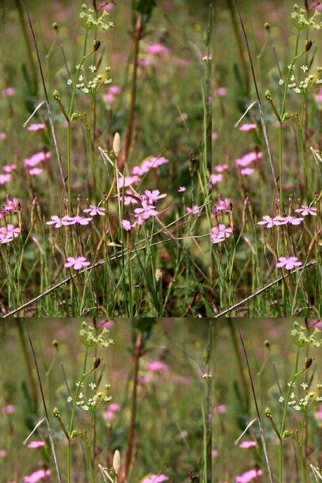Tapeta Pixerstick Маленькие фиолетовые цветочки в поле - Květiny