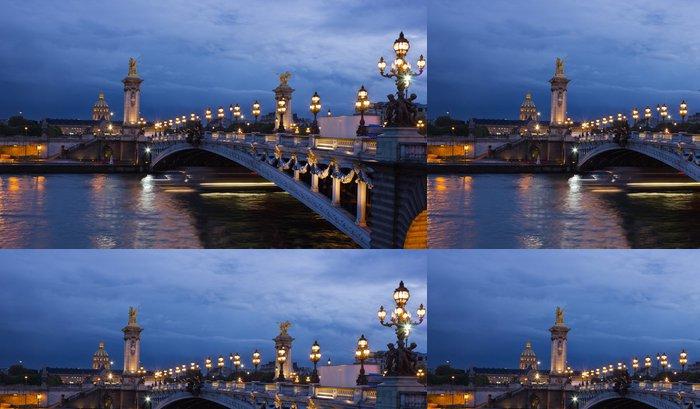 Tapeta Pixerstick Alexander třetí most a Seine se zlatou kopulí Invalidovna - Evropská města