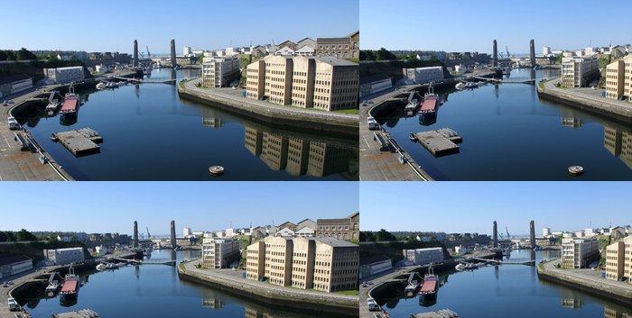 Tapeta Pixerstick Arsenal de Brest et le pont de Recouvrance, Bretagne - Čas