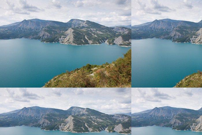 Tapeta Pixerstick Au-dessus du Lac de Serre Pinçon - Prázdniny