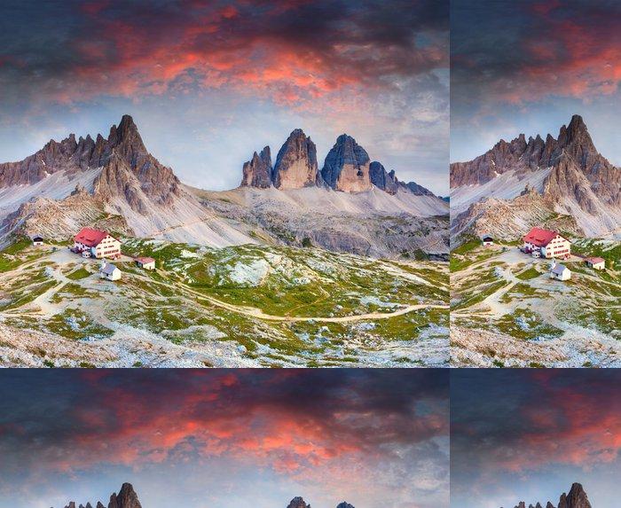 Tapeta Pixerstick Barevné léto slunce v Itálii Alpách Refugio Lacatelli, Tre Ci - Roční období