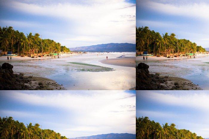 Tapeta Pixerstick Barevné světlé západ slunce na ostrově Boracay, Filipíny - Voda