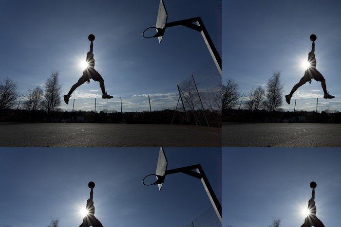 Tapeta Pixerstick Basketbalový hráč silueta ve vzduchu asi slam dunk - Basketbal
