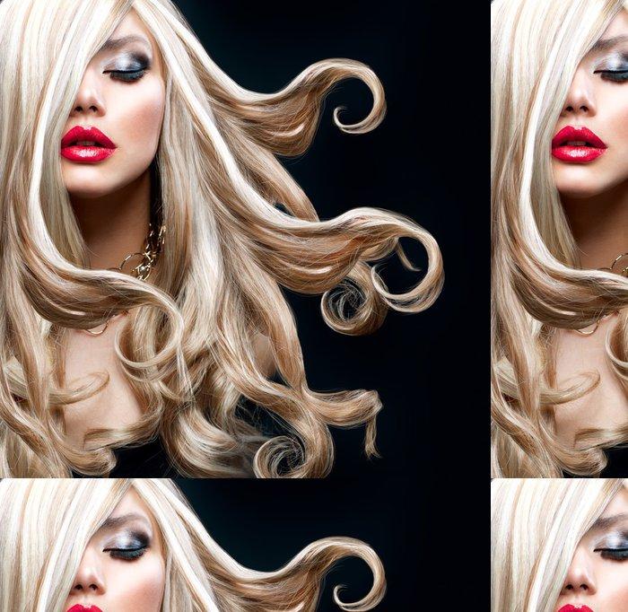 Tapeta Pixerstick Blond vlasy. Krásná Sexy blondýnka - Móda