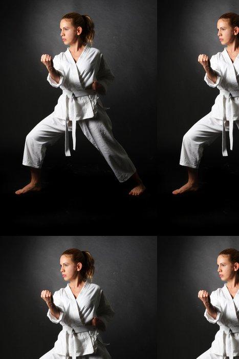 Vinylová Tapeta Blondýnka karate - Témata