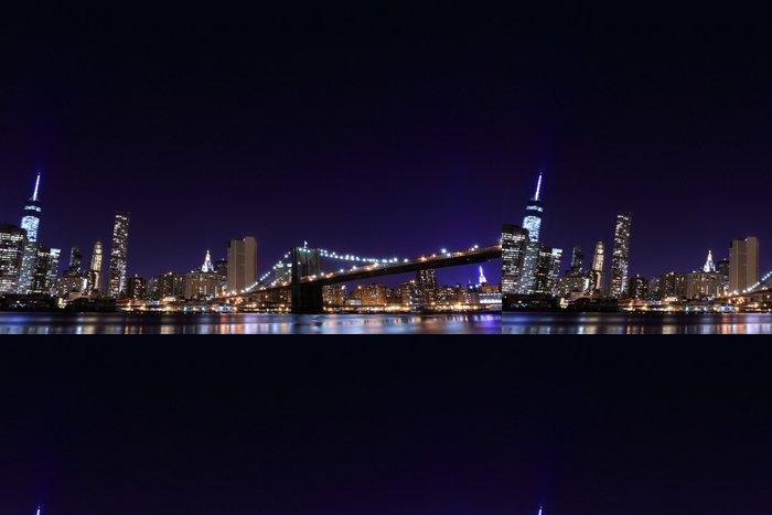Vinylová Tapeta Brooklyn Bridge a Manhattan Skyline v noci, New York City - Brooklynský Most