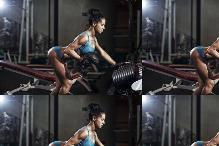 Tapeta Pixerstick Brunetka fitness dívka zvedání činky -