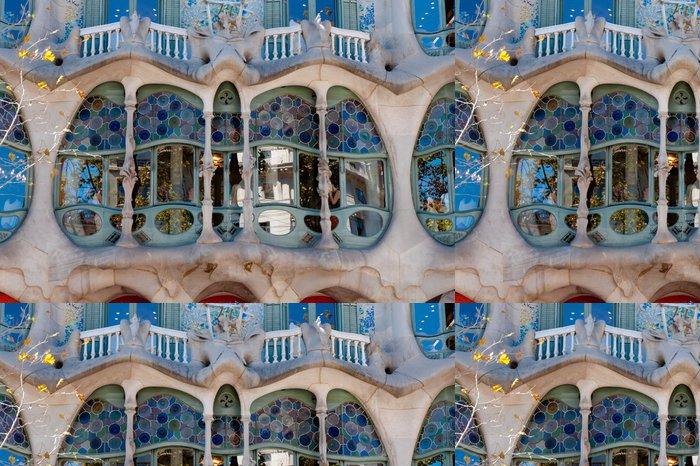 Tapeta Pixerstick Casa Batlló fachade hlavní okno v Barceloně - Evropská města