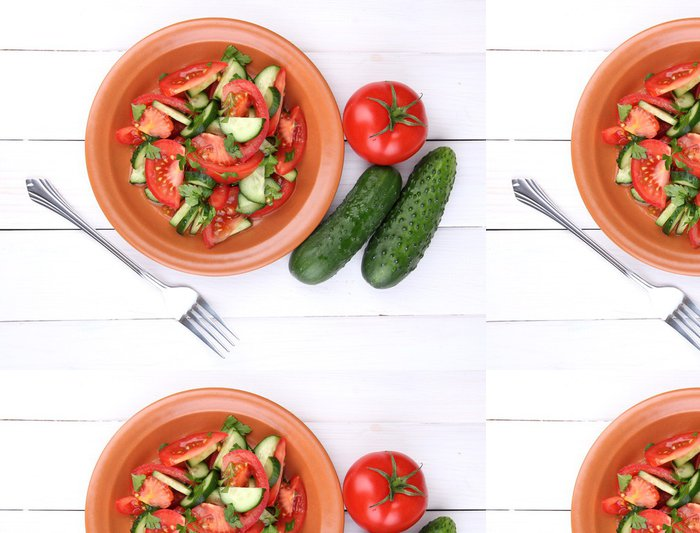Tapeta Pixerstick Čerstvý salát s rajčaty a okurkami - Témata