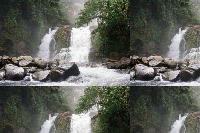 Tapeta Pixerstick Costa Rica vodopád - Outdoorové sporty