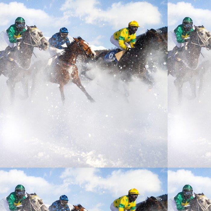 Tapeta Pixerstick Cval na sněhu - Individuální sporty
