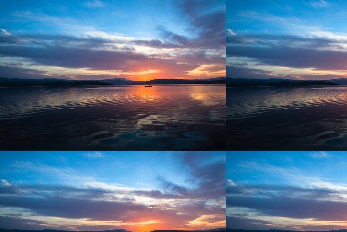 Tapeta Pixerstick Dawn Barva Odrazy nebe Waters - Nebe
