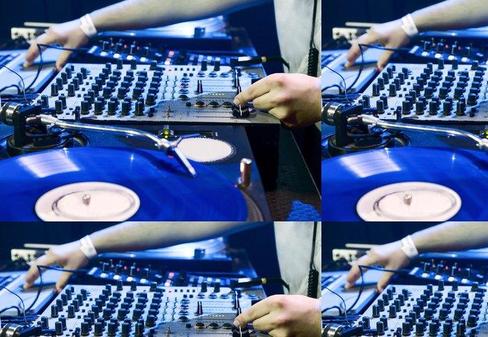 Tapeta Pixerstick DJ hraje stanovené v vinyl přehrávač - Zábava