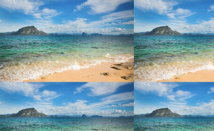 Tapeta Pixerstick Dokonalá tropická krajina s ostrůvkem - Voda