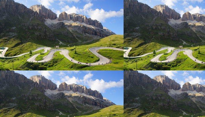 Tapeta Pixerstick Dolomity krajiny s horskou silnici. - Roční období