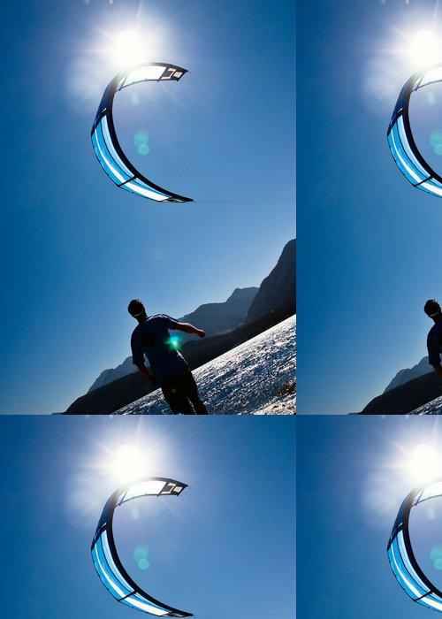 Vinylová Tapeta Dospělý samec čeká sbírat kitesurfer v draka. - Vodní sporty