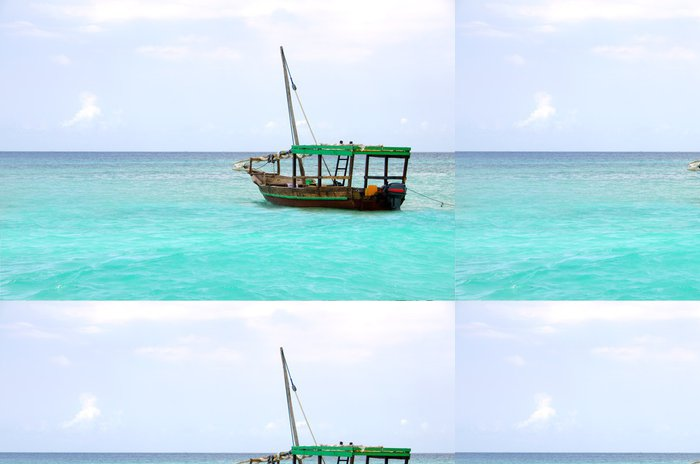 Tapeta Pixerstick Dřevěná loď plovoucí na tyrkysové moře - Voda