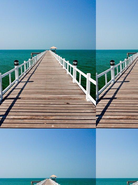 Tapeta Pixerstick Dřevěný most na moři v slunečný den - Infrastruktura