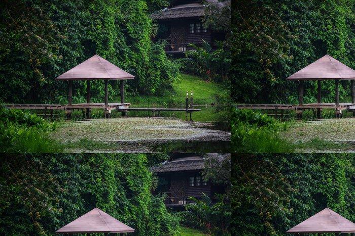 Vinylová Tapeta Dřevo pavilon s výhledem na jezero v Národním parku Krating Waterfall na - Asie