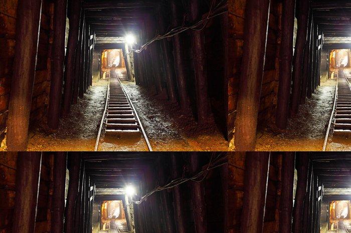Tapeta Pixerstick Důl s železniční trať - hlubinná těžba - Témata
