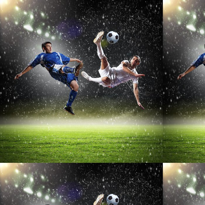 Tapeta Pixerstick Dvě fotbalová hráči dopadají míče - Úspěch