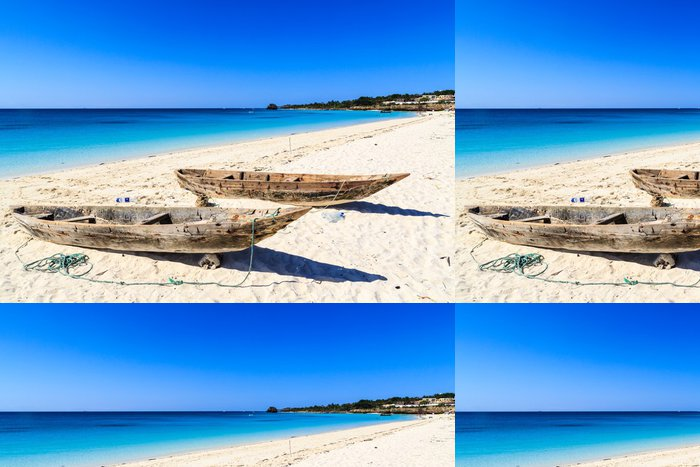 Tapeta Pixerstick Dvě rybářské lodě na pláži - Prázdniny