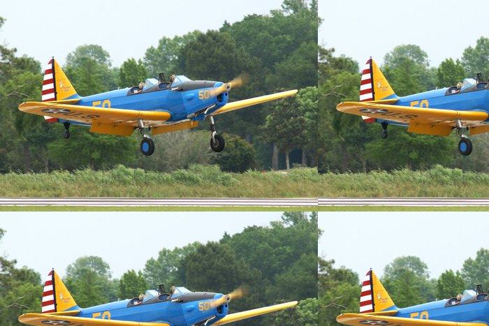 Tapeta Pixerstick Fairchild PT-19, jen pár stop od bodu dotyku. - Vzduch