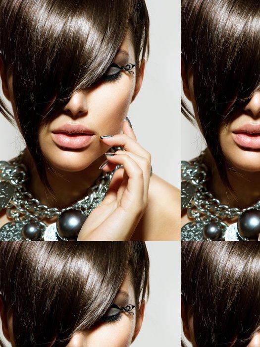 Tapeta Pixerstick Fashion Glamour Beauty Girl With stylový účes a make-up - Témata